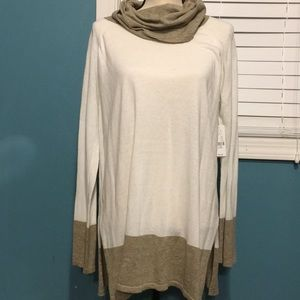 New York & Company Light Weight Sweater Size L